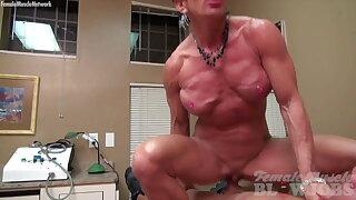 Muscle Woman 41
