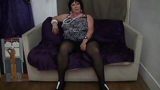 Belle grande française de 65ans granny olga baisée par deux mecs - double pénétration