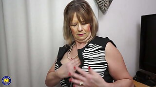 Busty mature mother fucks her hungry pussy