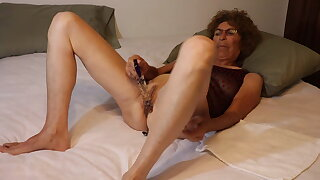 mature granny with glass dildo