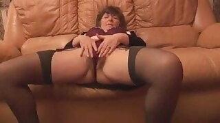 Sexy GILF solo